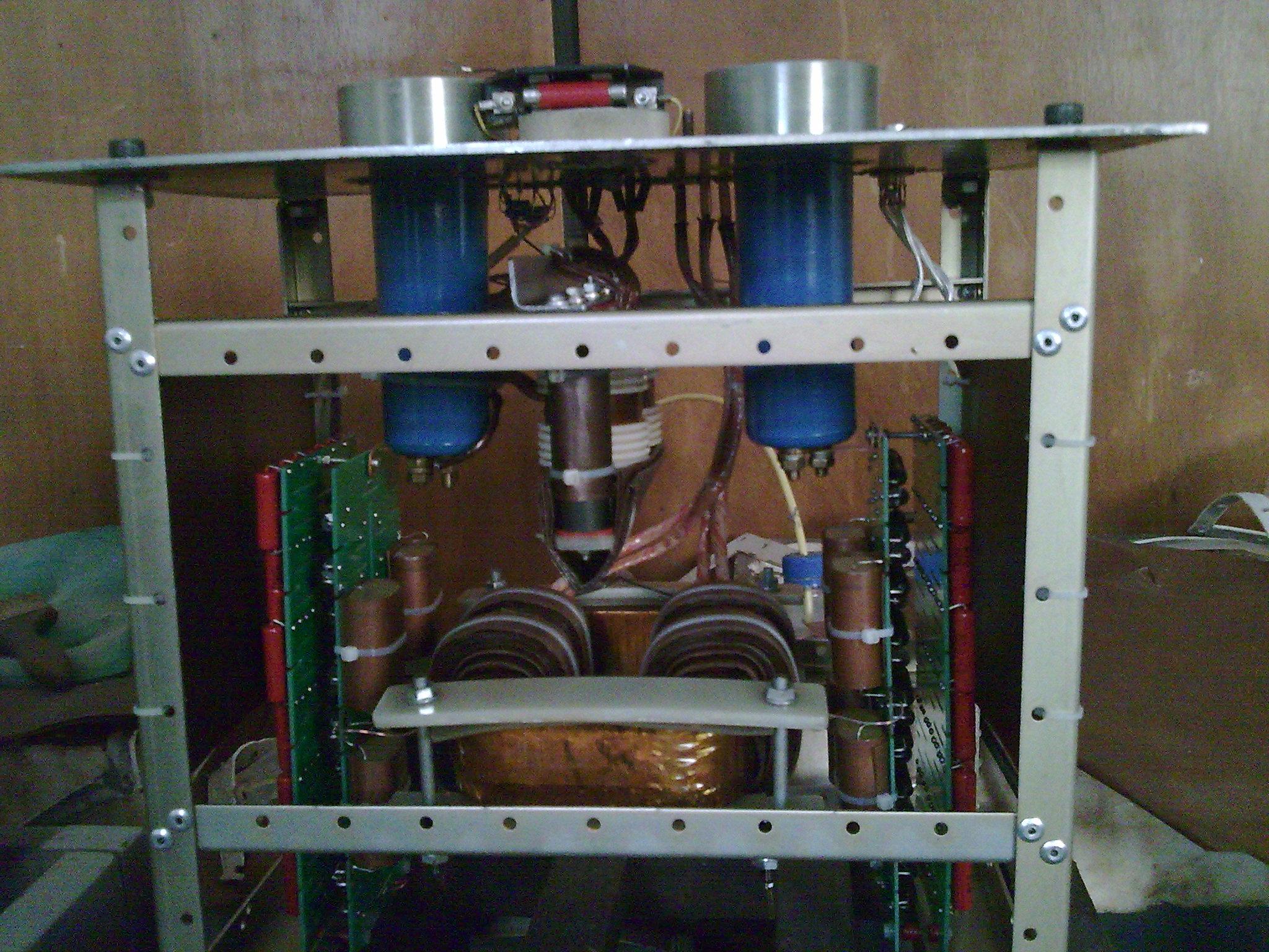 大功率高频高压变压器,油浸式,内部结构.包括采样,整流.