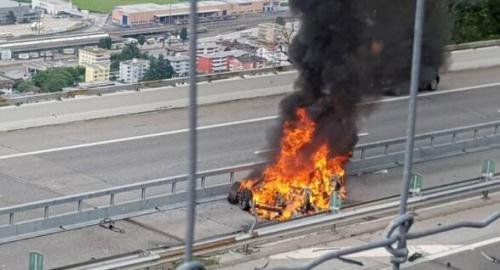 特斯拉再出祸端,驾驶员当场死亡