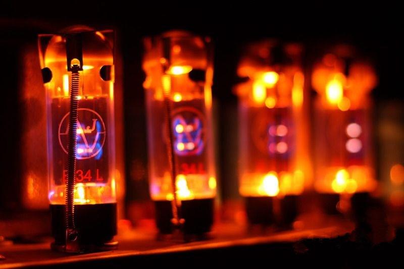 在接GND和VCC的开关电路中,不同的晶体管影响不同?