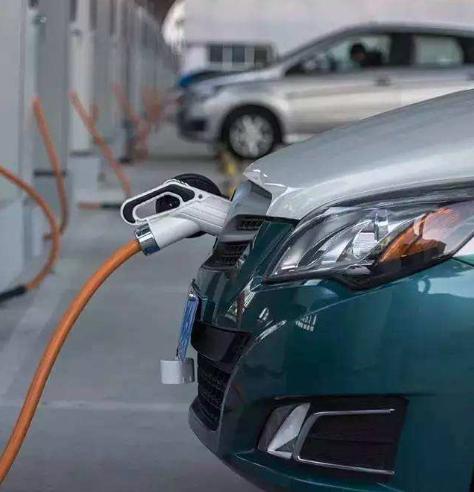 前沿 新能源汽车高速发展背后 召回率达13%