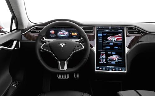 特斯拉发布自动驾驶技术成果