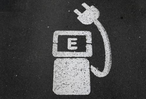 电动汽车快充速度慢,应该由谁来背锅?