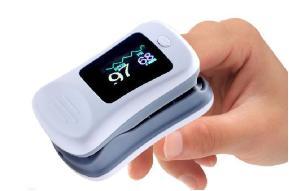 疫情防护:便携式血氧仪有效监控方案