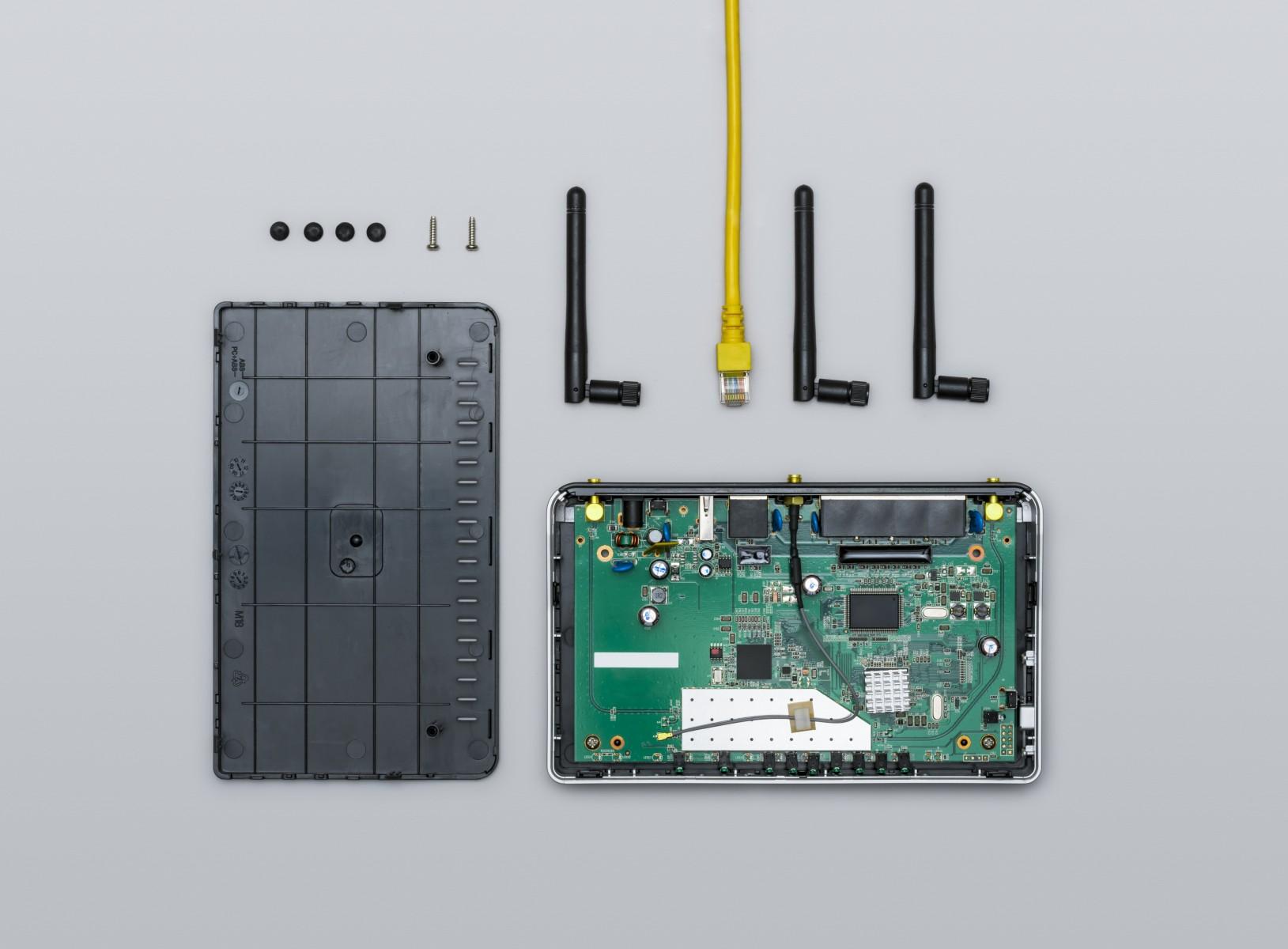 e络盟供应Multicomp Pro全新系列经济型定制机箱